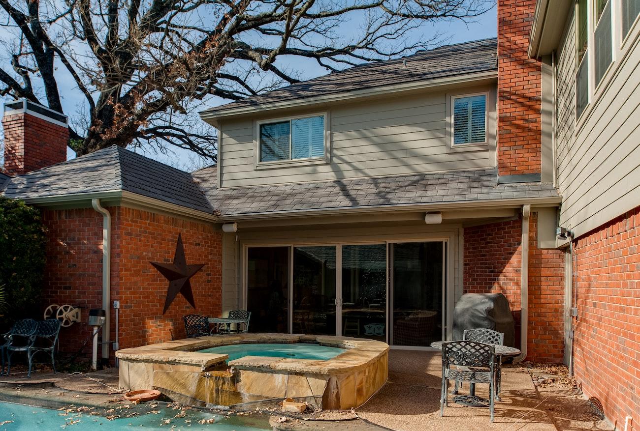 backyard-view-of-nt-sliding-door