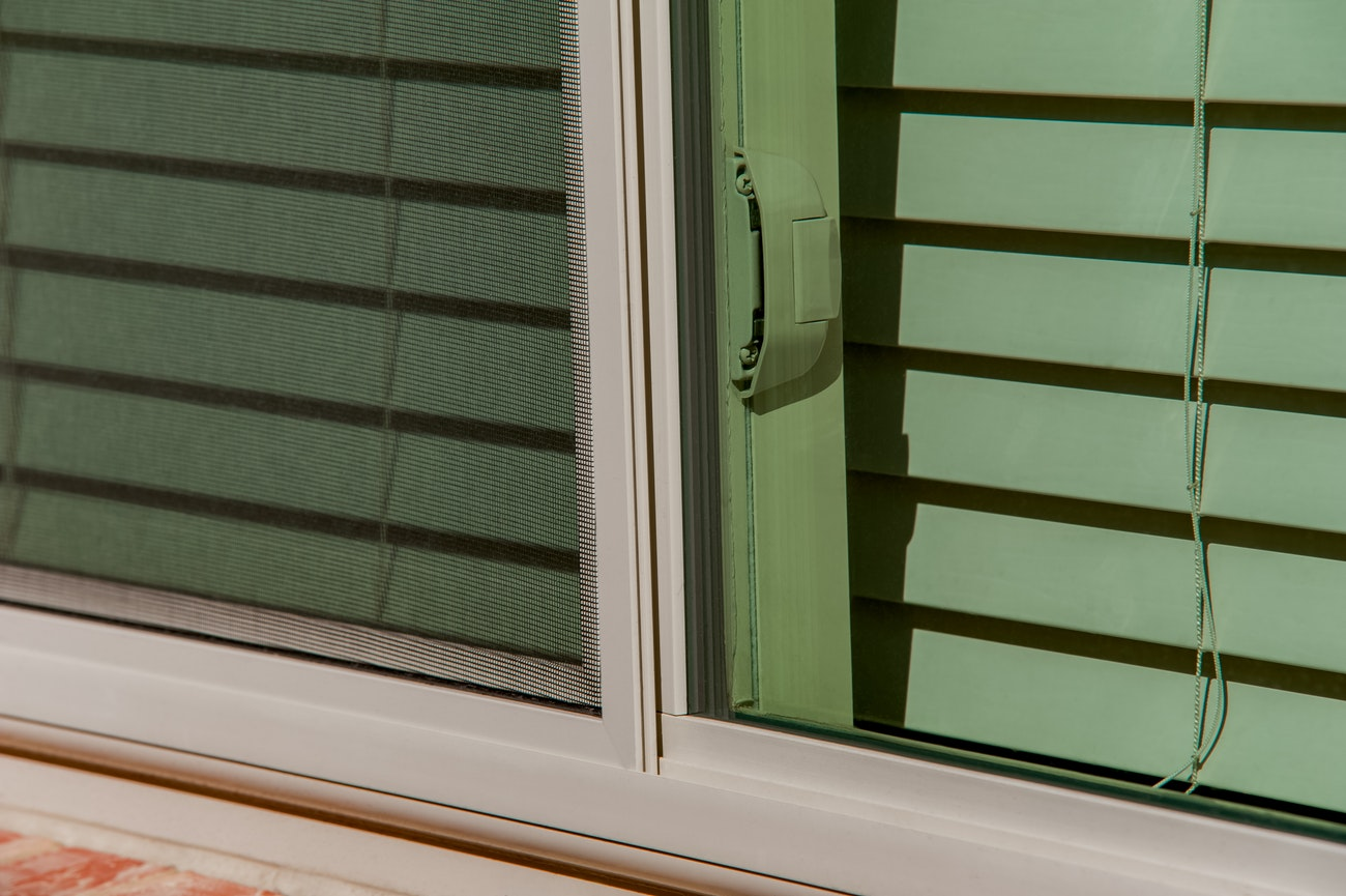 tan-brennan-traditions-single-hung-window