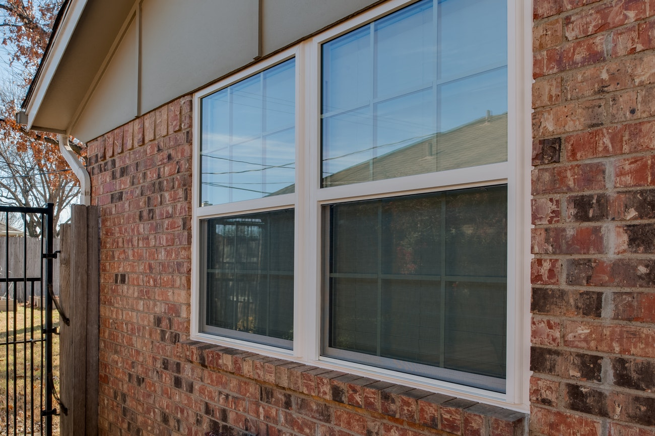 brennan-traditions-double-single-hung-windows-with-grids