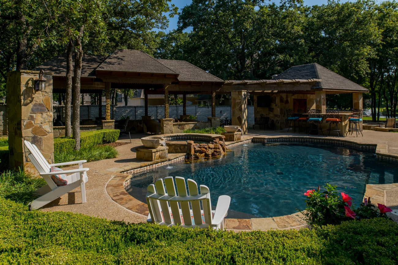 brennan-traditions-patio-and-poolside-view