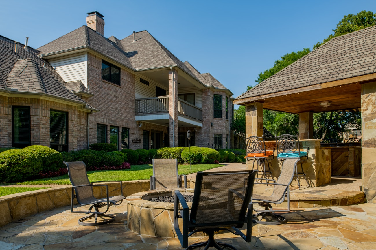 brennan-traditions-poolside-viewand-patio-backyard-view