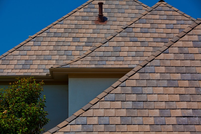 Davinci Roofscapes composite roof tiles in Bellaforte Slate Canyon.