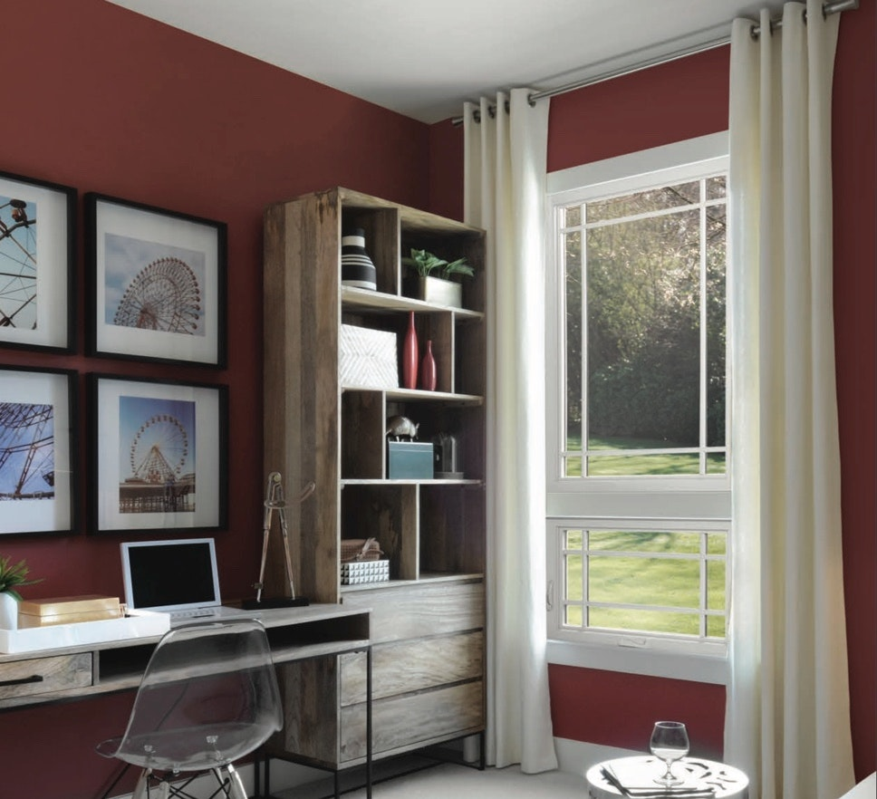 Jeld-Wen windows constructed of premium vinyl are designed to capture the beauty of wood with the longevity of vinyl.